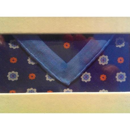 Elegant pyntelommertørklæde i 100% hør